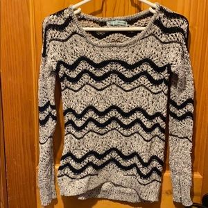 Maurices Size Medium Women's Sweater